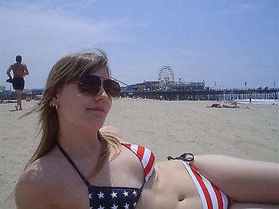 100_smoking_hot_usa_bikini_girls_94_20090702_1874355434.jpg