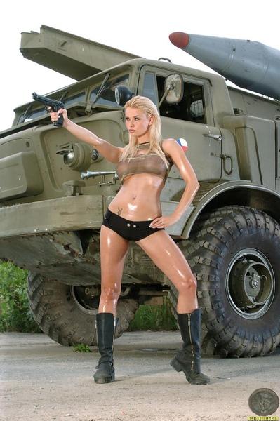 女兵60.jpg
