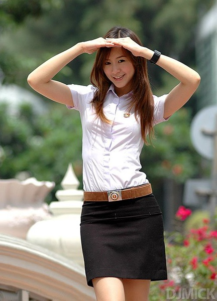 sexy-thai-coed-uniform-0.jpg