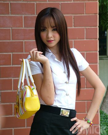 sexy-thai-coed-uniform-48.jpg