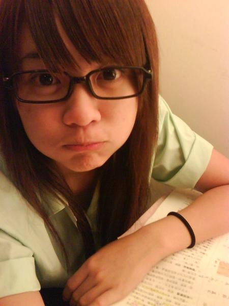 松山高中小熊戴眼鏡.jpg