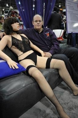 世界首款性愛機器女郎Roxxxy 00-46-39.jpg