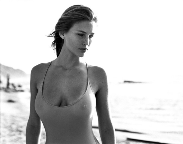 bar-refaeli-nude-nipples-02.jpg
