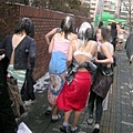 韓女學生被強行脫校服01.jpeg
