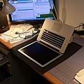 "Apple Macbook pro15""AG霧面版貼頂級AR鍍膜(螢幕保護貼)08.jpg"