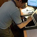 "Apple Macbook pro15""AG霧面版貼頂級AR鍍膜(螢幕保護貼)10.jpg"