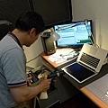 "Apple Macbook pro15""AG霧面版貼頂級AR鍍膜(螢幕保護貼)12.jpg"