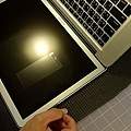 "Apple Macbook pro15""AG霧面版貼頂級AR鍍膜(螢幕保護貼)16.jpg"