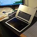 "Apple Macbook pro15""AG霧面版貼頂級AR鍍膜(螢幕保護貼)29.jpg"