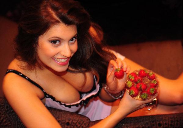 「英國水果妹」Francoise Boufhal