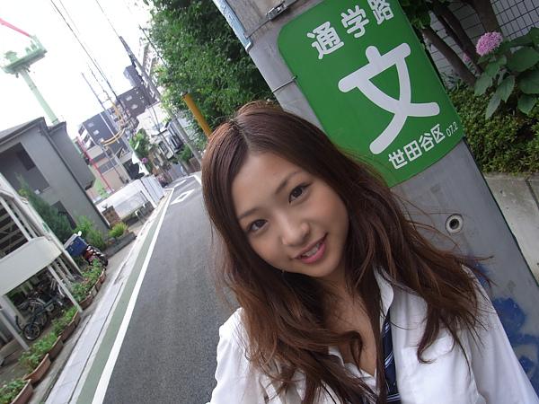 佐山彩香:日最可愛高中生 爆紅出寫真009.jpg