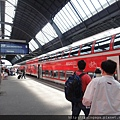 搭這班火車來去斯特拉斯堡~喔耶! 雙層的唷