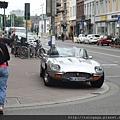 海德堡街道-酷阿伯開的拉風車車