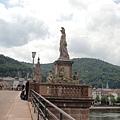 海德堡古橋上的雕像