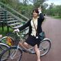 穿窄裙騎腳踏車又一枚