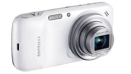 uniqlo_1_Samsung-_c03fbedb67635f2be51147f66646685a