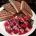 咖啡弄之草莓鬆餅