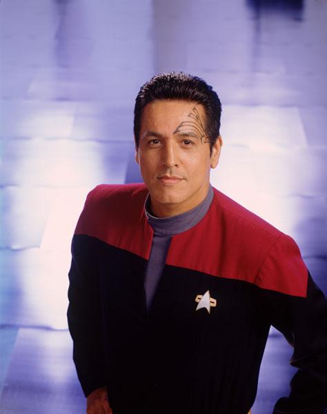 Commander-Chakotay-star-trek-voyager-644491_474_600-1