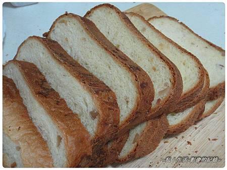 003-和風堅果麵包.jpg