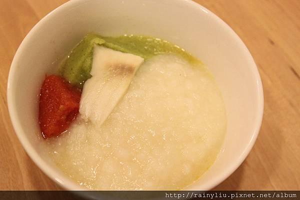 03蒸熟.蔬果七倍粥+番茄+花椰+鯛魚.JPG