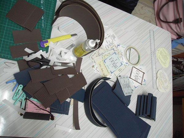 教學演示_凌亂的美工桌
