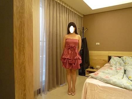 文:【東京衣服】甜蜜國度不規折設計感腰間蝶結小禮服