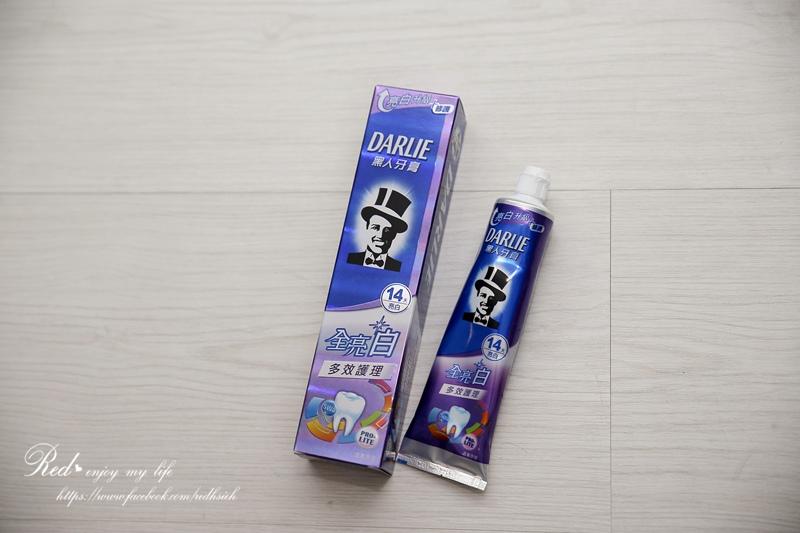 黑人全亮白多效護理牙膏 (3).JPG