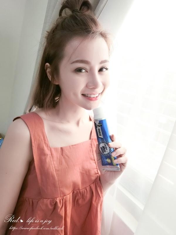 黑人全亮白極緻牙膏 (14).JPG