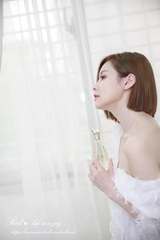 dior J'adore Injoy 愉悅淡香水 (2).JPG
