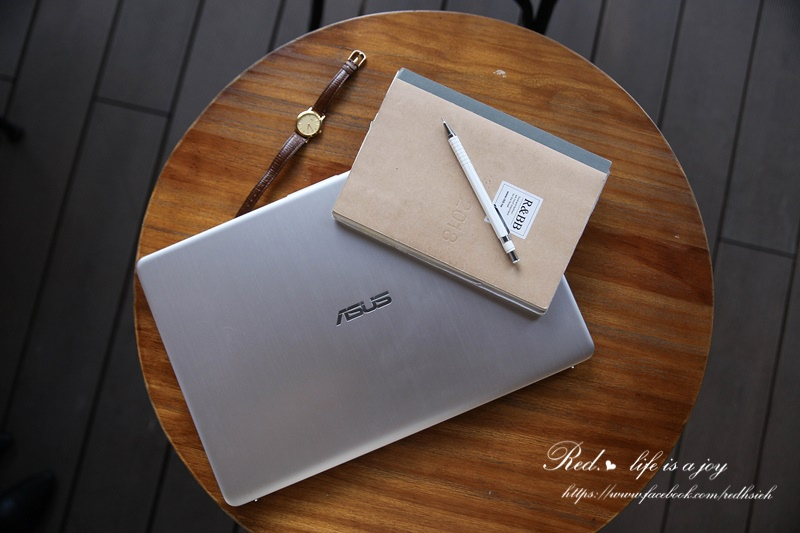 ASUS VivoBook S15筆電 (2).JPG
