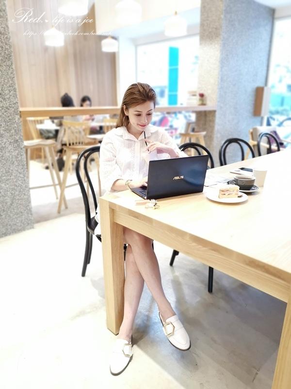 ASUS ZenBook14 (6).jpg
