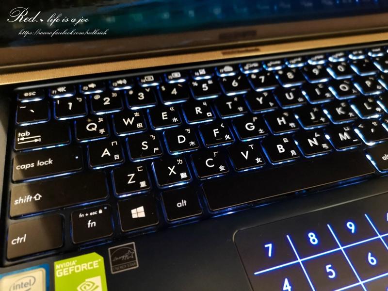 ASUS ZenBook14 (16).jpg