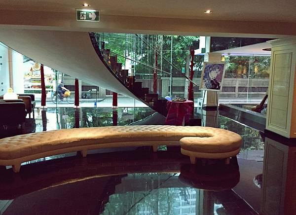 dream_lounge1.JPG