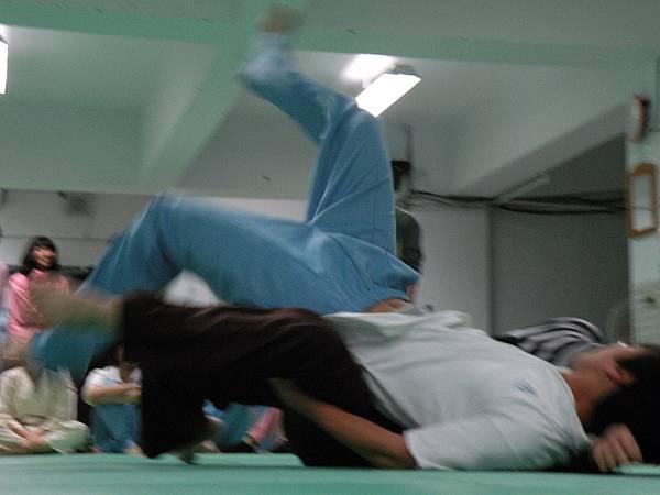 12.23平安夜之不平安的前一夜夜~暨聖誕摔角大會!