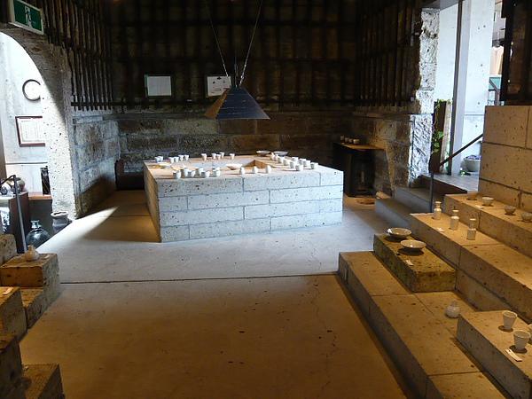益子陶庫後方陶藝家展示空間