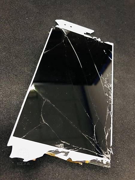 ZenFone 4 ZE554KL面板破裂.jpg