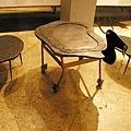 吾由作品-鹿造型石板桌椅組