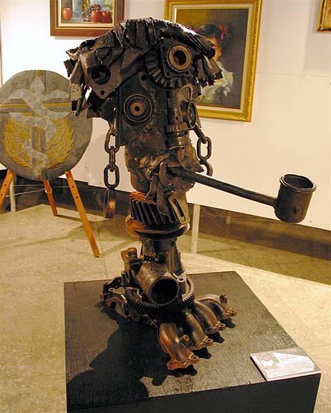 《煙斗的故事》(1999),攝於「工‧藝‧美‧勞─勞工藝術創作展」現場.JPG
