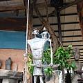 《父親的肩膀》(1997),青銅。這件雕塑作品撒古流作了兩件,其中一件為高美館所典藏。.jpg