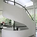 7.400px-Villa_Savoye_escalier.jpg