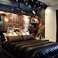 14-cockpit-bedroom