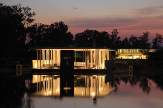 湖教堂(Lake Chapel)