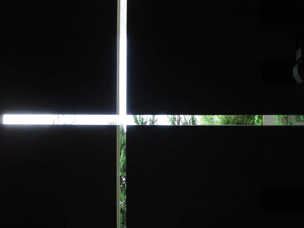 1294204530-churchoflight-naoyafujii3