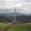Millau_Viaduct_construction_south