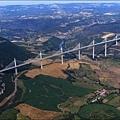 millau-viaduct-3