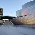 8.800px-Guggenheim_Museum_Bilbao_fog_installation