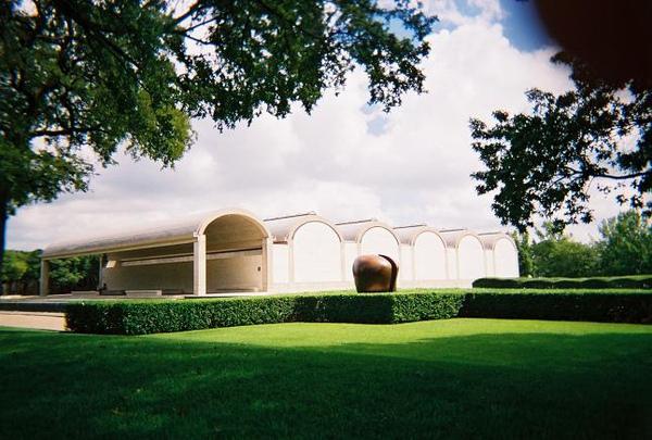 1.Kimbell_Art_Museum.jpg