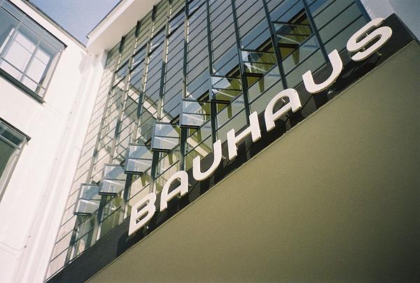 2.800px-BauhausType.jpg