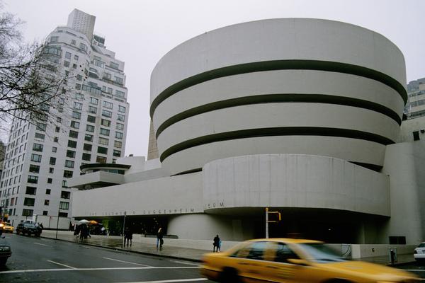 <古根漢美術館 The Guggenheim Museum>