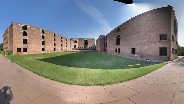 6.800px-Iima_panorama_complex.jpg